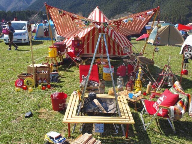 おしゃれキャンプの画像