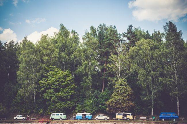 キャンプ車