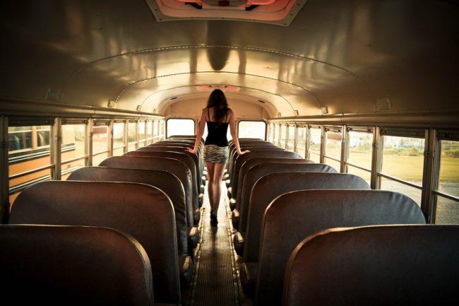 バス置き去り