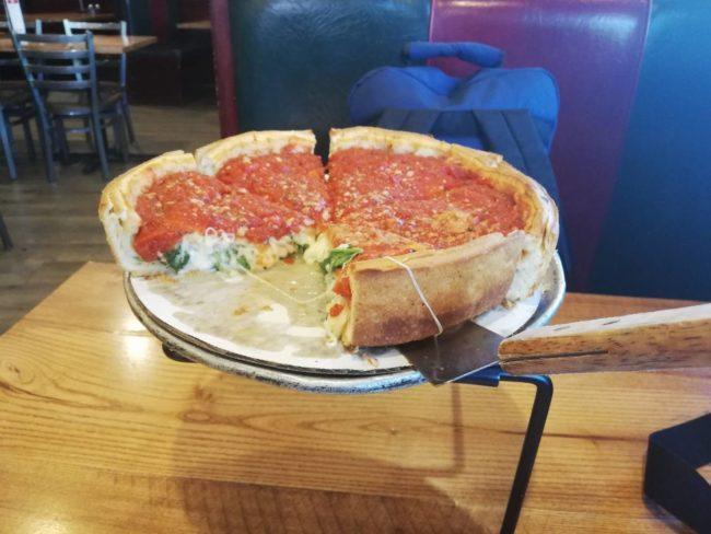 シカゴのディープディッシュピザ